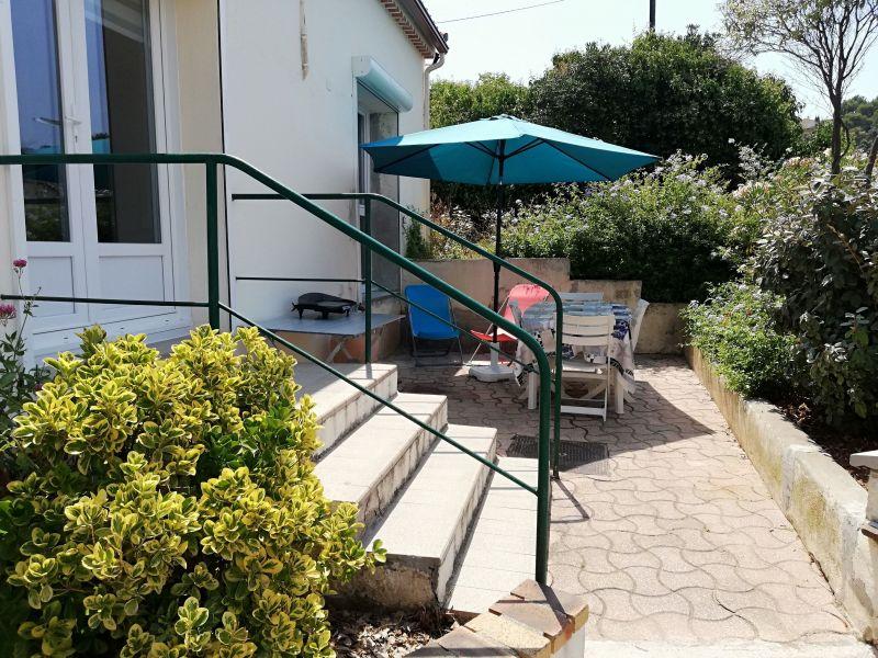 Terrasse Location Appartement 119187 Le Pradet