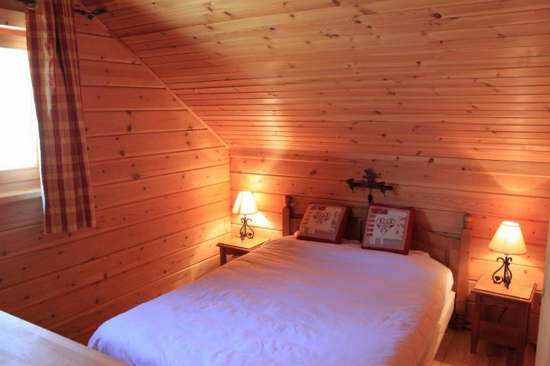 chambre 1 Location Chalet 69489 La joue du Loup