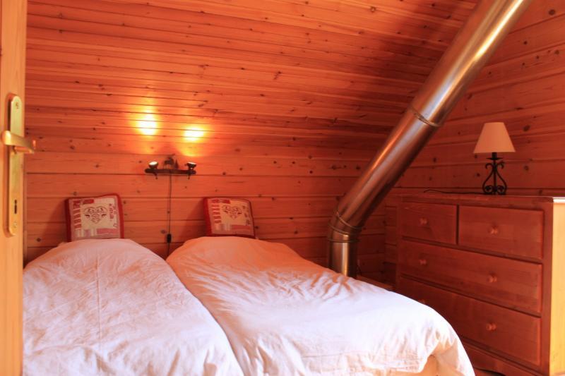 chambre 2 Location Chalet 69489 La joue du Loup