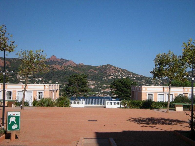 Vue à proximité Location Appartement 74977 Agay