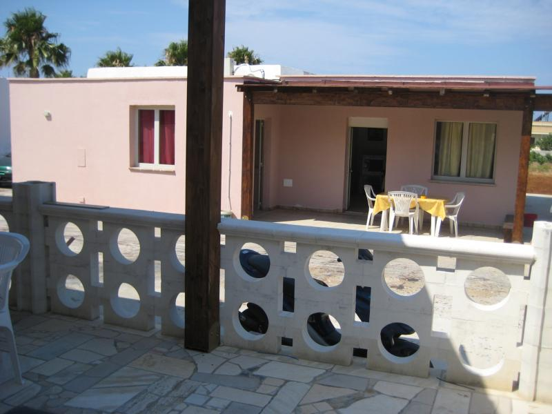 Vue de la terrasse Location Maison troglodyte 78245 Gallipoli