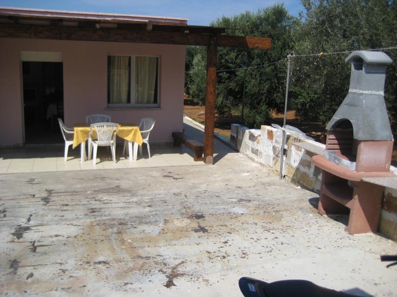 Vue extérieure de la location Location Maison troglodyte 78245 Gallipoli