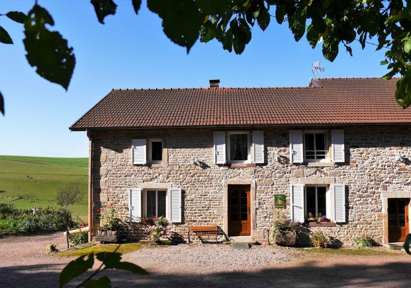 Vue extérieure de la location Location Maison 92943 Plombières les Bains