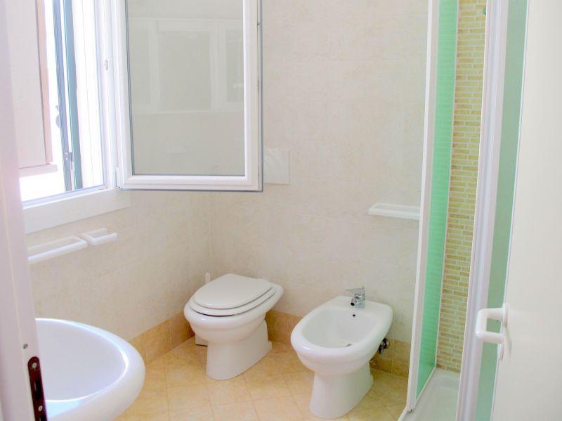 salle de bain 1 Location Villa 94448 Pescoluse