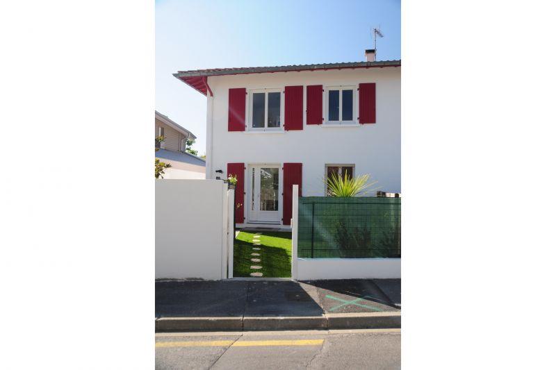 Vue extérieure de la location Location Appartement 97209 Biarritz