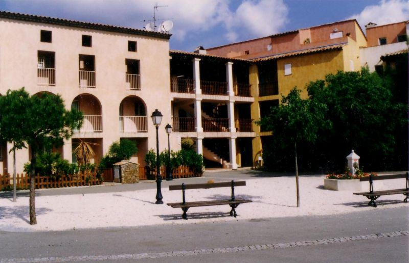 Vue extérieure de la location Location Villa 10266 Saint Tropez