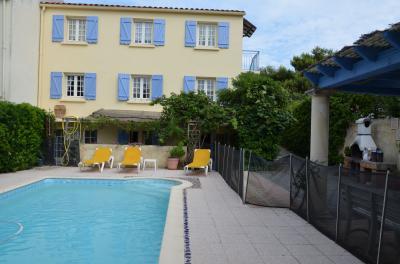 Vue extérieure de la location Location Villa 10494 Saint Pierre la Mer