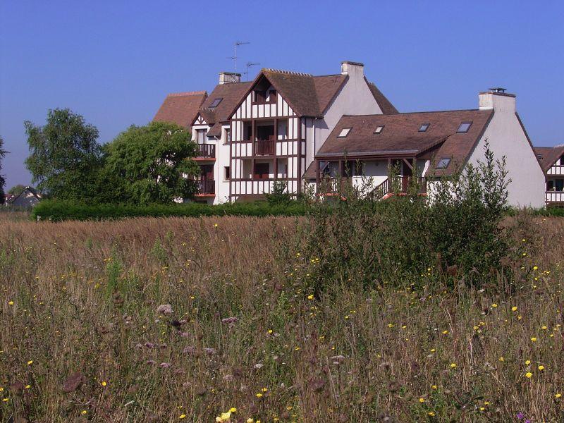 Vue extérieure de la location Location Appartement 10774 Cabourg