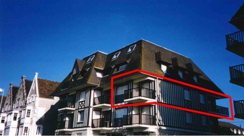 Vue extérieure de la location Location Appartement 10782 Cabourg