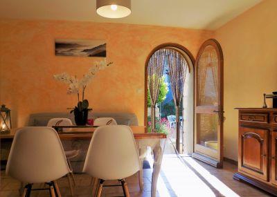 Salle à manger Location Gite 12501 Beaumont du Ventoux