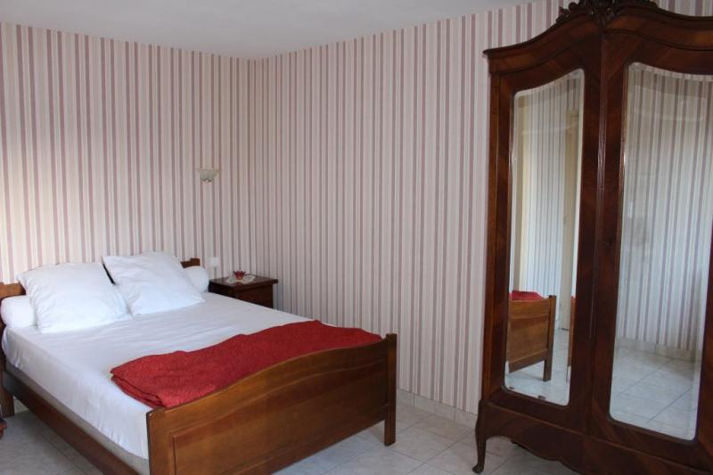 chambre 1 Location Maison 13032 Ribérac