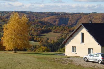 Vue extérieure de la location Location Gite 13313 Le Mont Dore