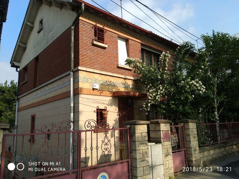 Vue extérieure de la location Location Appartement 13776 PARIS