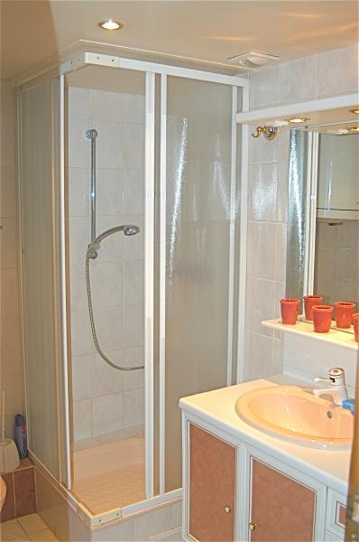 Salle d'eau Location Appartement 13776 PARIS