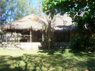Vue ext�rieure de la location Location Bungalow 14735 Majunga