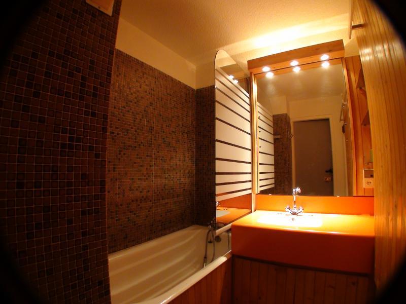 salle de bain Location Studio 15243 Les Menuires