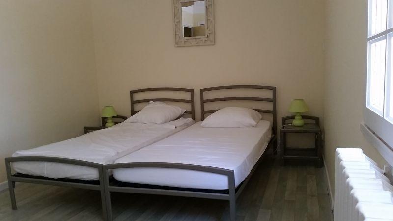 chambre 1 Location Maison 16202 Caromb