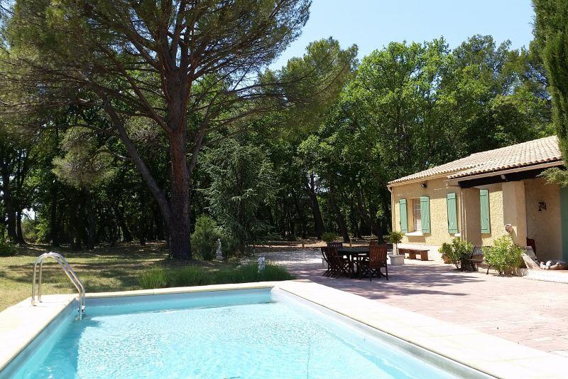 Vue de la terrasse Location Maison 16202 Caromb