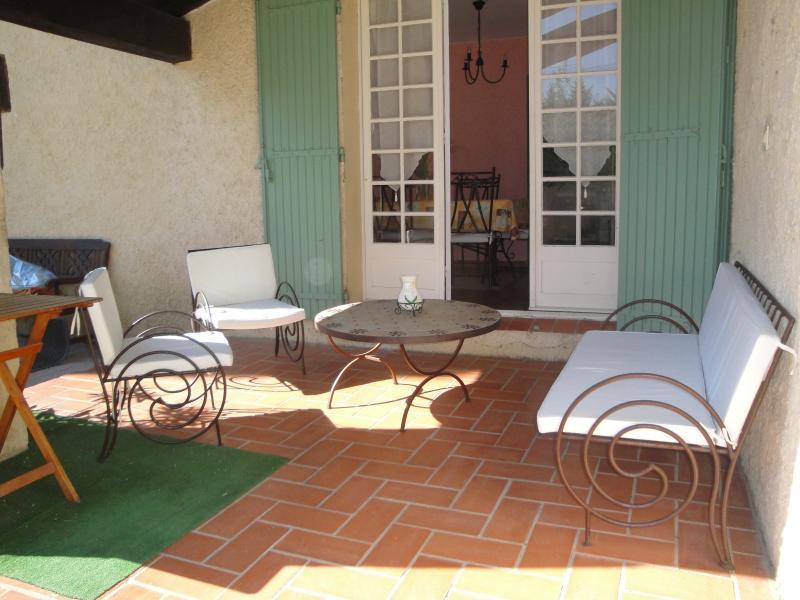 Terrasse 2 Location Maison 16202 Caromb