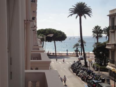 Vue du balcon Location Studio 16282 Cannes