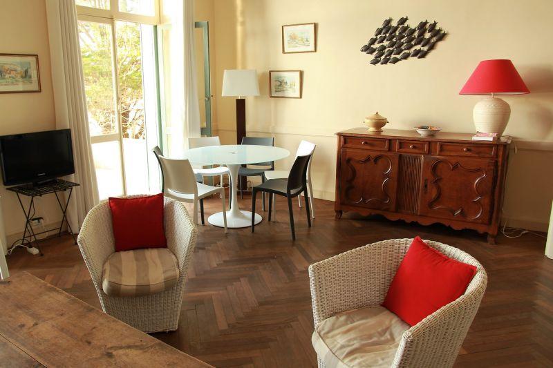 Séjour Location Appartement 17205 Saint Raphael