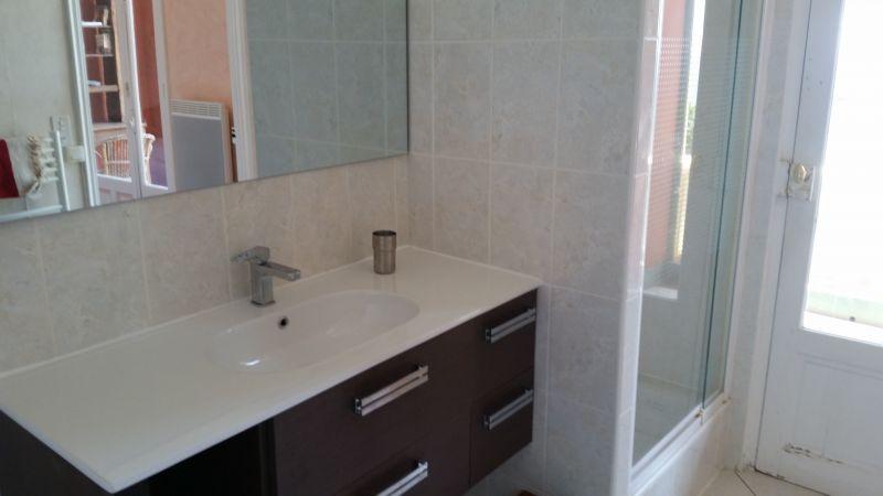 salle de bain 2 Location Appartement 17205 Saint Raphael