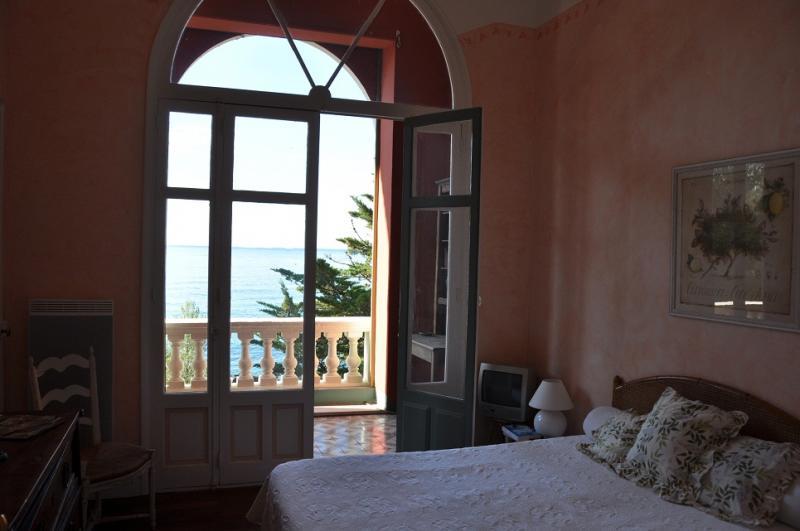 chambre 1 Location Appartement 17205 Saint Raphael