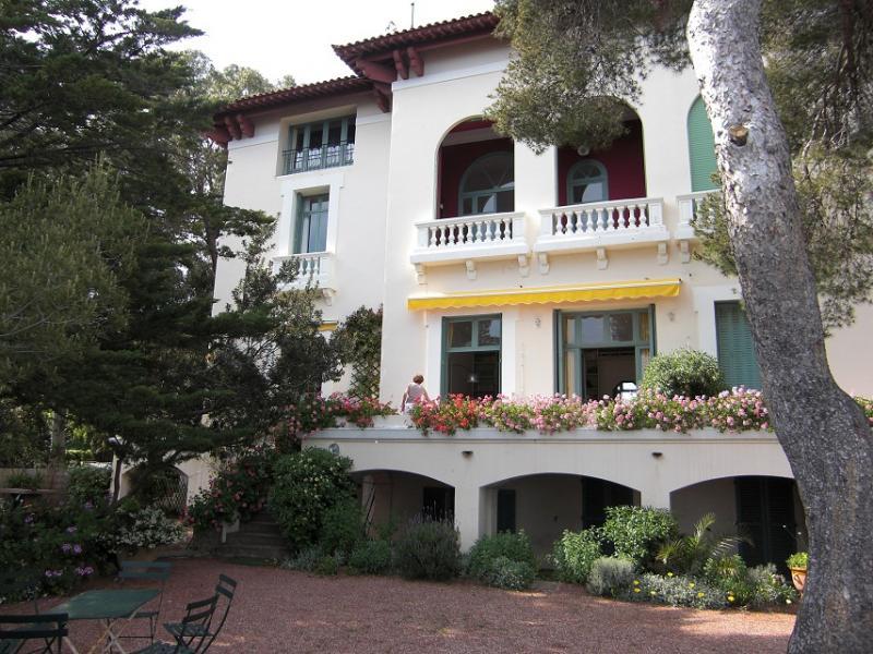 Vue extérieure de la location Location Appartement 17205 Saint Raphael