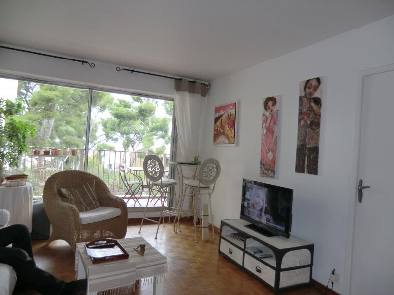 Séjour Location Appartement 18588 Marseille
