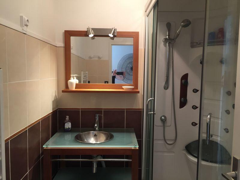 Salle d'eau Location Appartement 19390 Biscarrosse