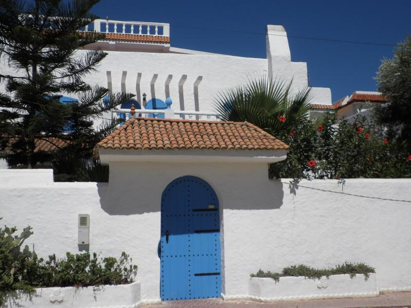 Vue extérieure de la location Location Villa 20676 Martil