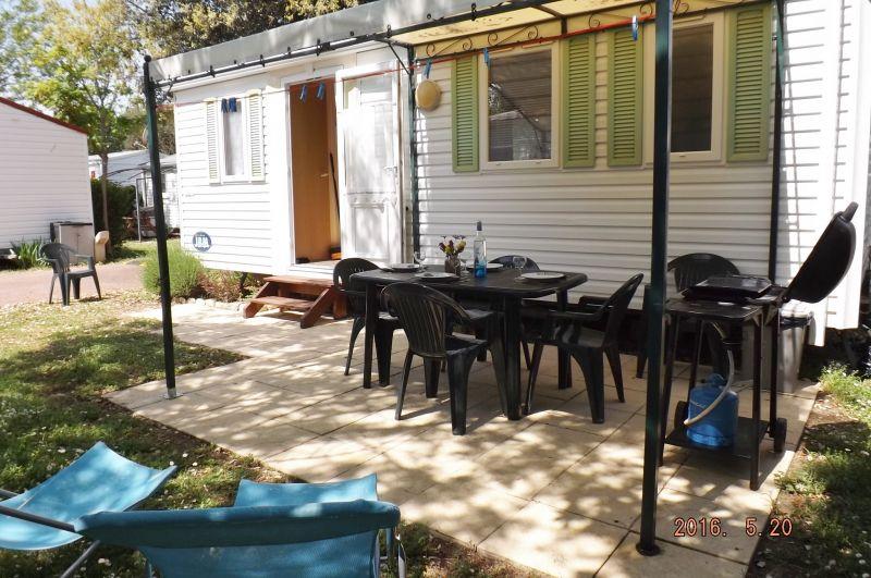 Vue extérieure de la location Location Mobil-home 23796 Saint Pierre d'Oléron