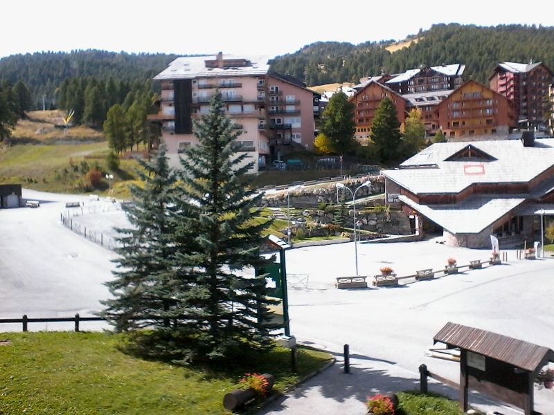 Vue du balcon Location Studio 2446 Risoul 1850