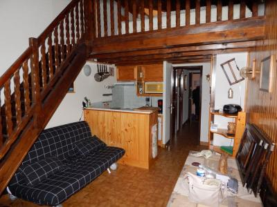 Location Studio 2463 La Rosi�re 1850
