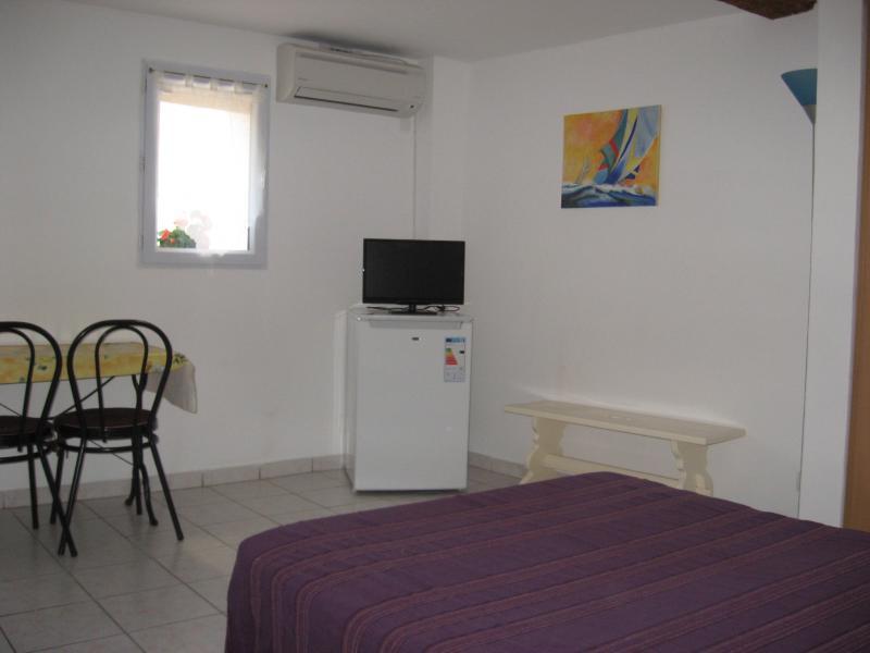 Séjour Location Studio 25481 Bandol