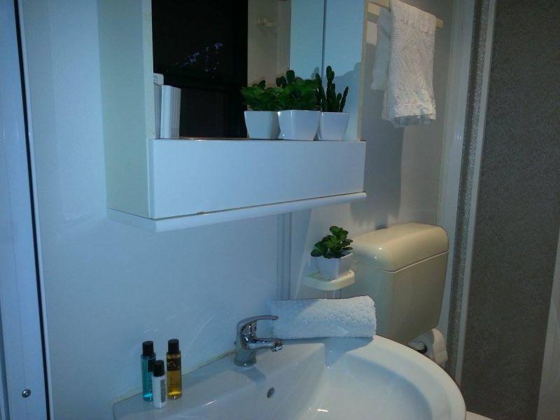 salle de bain Location Appartement 26144 Isola di Capo Rizzuto