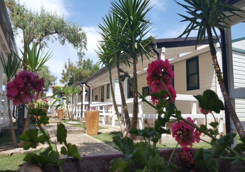 Vue extérieure de la location Location Appartement 26144 Isola di Capo Rizzuto