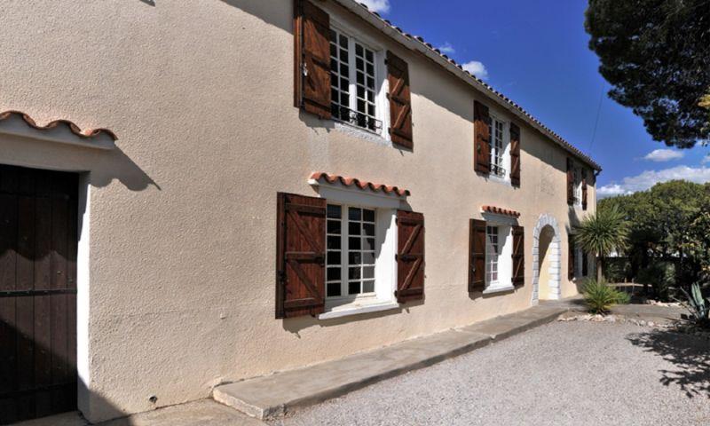 Vue extérieure de la location Location Maison 27424 Narbonne