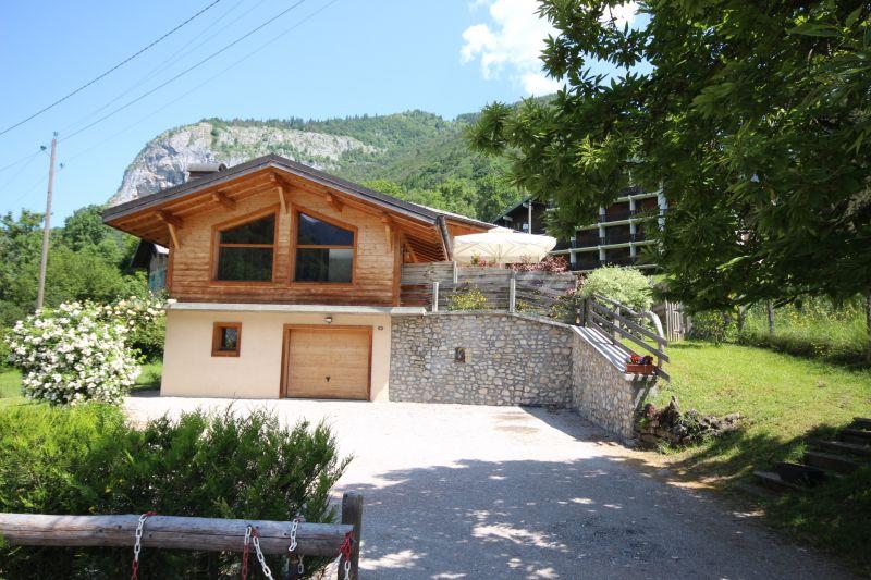 Vue extérieure de la location Location Chalet 27503 Saint Jean d'Aulps- La Grande Terche