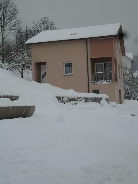 Vue extérieure de la location Location Maison 27842 Gérardmer