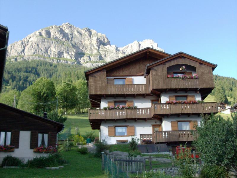 Vue extérieure de la location Location Appartement 28148 Selva di Cadore