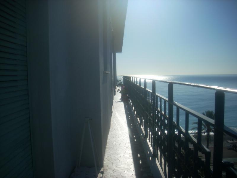 Vue du balcon Location Appartement 28384 Nice
