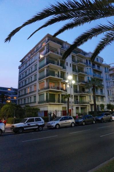 Vue extérieure de la location Location Appartement 28384 Nice
