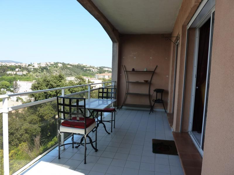Terrasse Location Appartement 28963 Saint Raphael