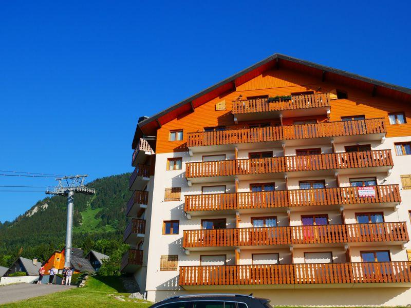 Vue extérieure de la location Location Appartement 3080 Thollon Les Mémises