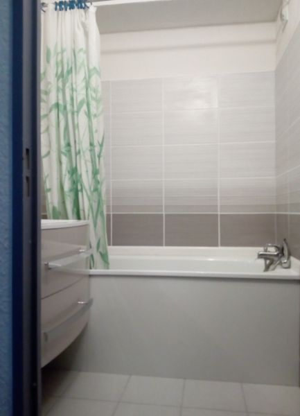 salle de bain Location Studio 31444 La Grande Motte