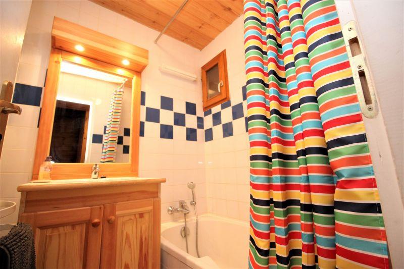 salle de bain 2 Location Chalet 3290 Valfréjus