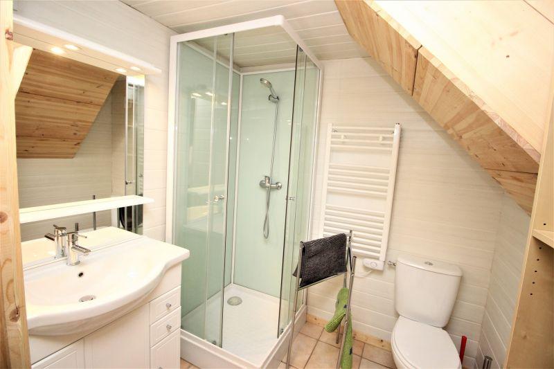 Salle d'eau 2 Location Chalet 3300 Valfréjus