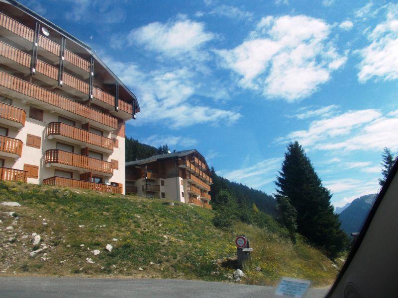 Vue extérieure de la location Location Studio 34212 Drouzin Le Mont