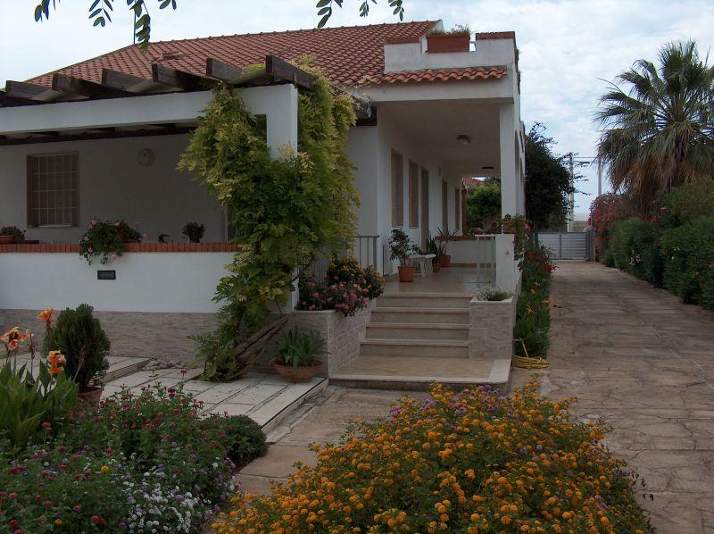 Vue extérieure de la location Location Appartement 35318 Marina di Ragusa